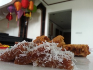 grated coconut with steam nian gao